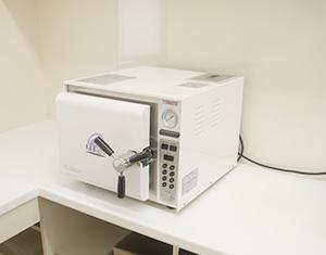 しんざわ矯正歯科クリニックの消毒・滅菌室の写真